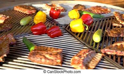 légumes, côtes, viande, rôti, barbecue, grille, porc, nourriture, rue, rotation, barbecue, grillé, scorched., charbon de bois, market., gril, poêle, dark.