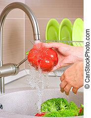 légumes frais, washing., nourriture., sain, cuisine