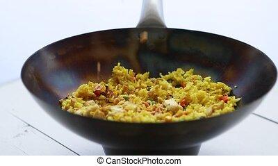 légumes, plat, tomber, cacahuètes, délicieux, frit, chaud, thaï, wok., riz, poulet