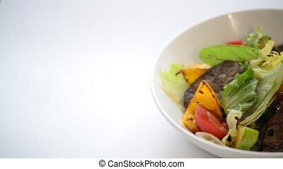 légumes, salade viande