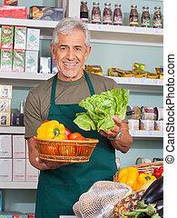 légumes, vente, vendeur, personne agee, magasin