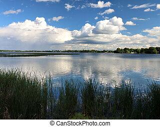 lac, lointain, reflété, nuages, pluie, minnesota