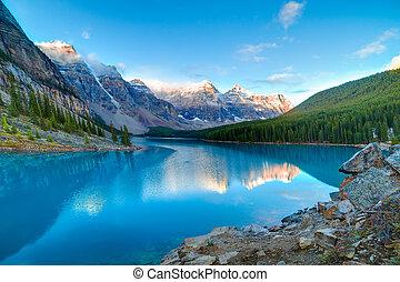 lac moraine, levers de soleil