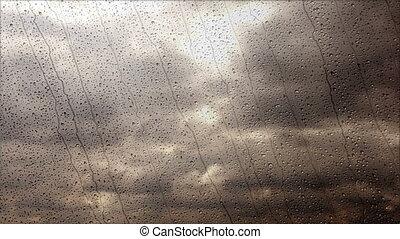large, pluvieux, nuages, voler, jeûne, par, orage, fenêtre, angle, vue