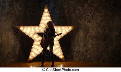 lent, étoile, électrique, mouvement, guitare, fond, cuir, sexy, blond, silhouette, girl, briller