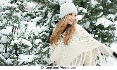 lent, hiver, mouvement, rotation, femme, glacial, dehors, forêt