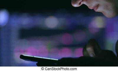 ligne, fonctionnement, marché, échange, brouter, étranger, données, commerçant, concept, femme, stockmarket, commerce, toucher, smartphone, diagramme, stockage, floor., écran