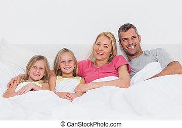lit, mensonge, portrait famille