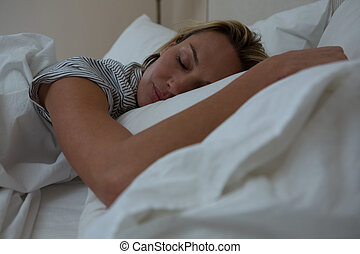 lit, paisiblement, femme, dormir