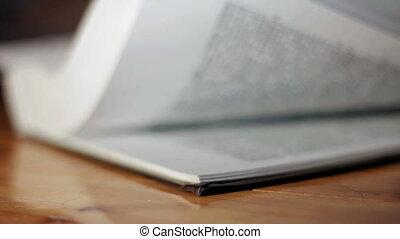 livre, renverser, pages