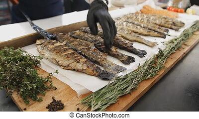 lot, vert, festival., nourriture, fish, saumon, cuit, barbecue., délicieux, grillé, table, rosemary.