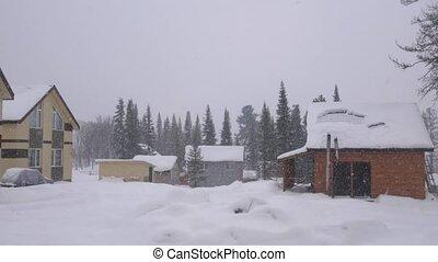 lourd, montagnes, lent, panorama., nature hiver, maison, motion., bois, snowfall., 3840x2160, pendant, weather., paysage