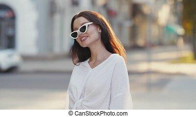 lunettes soleil, sourire, portrait, femme
