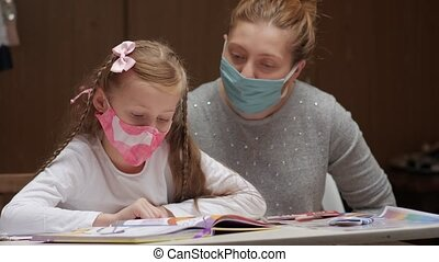 mère, écolière, masqué