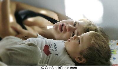 mère, bébé, lecture, garçon, histoires