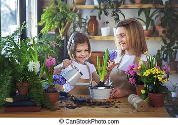 mère, plants., soin, mignon, aides, enfant, girl, elle