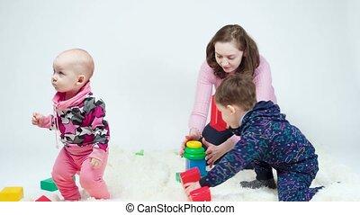 mère, vidéo, jouer, enfants