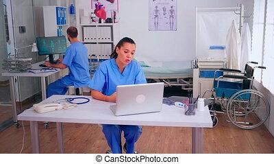 médecin, patient, ligne, conseil, offrande, aide, monde médical