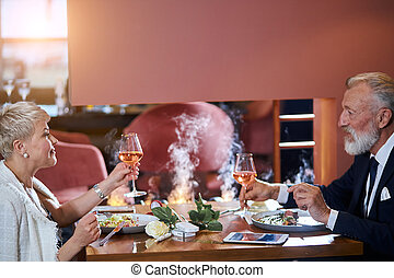 mûrir, restaurant, repas, couple, ensemble, fining
