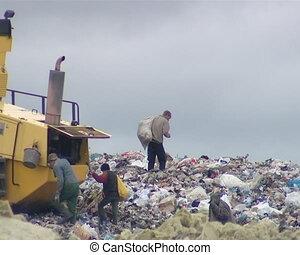 machine, déchets, pollution., gens, articles, powerty., dump., nourriture., regarder, ambiant, urgent, sdf, spécial