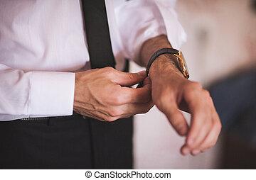 main, hommes, mettre, montre