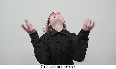 mains, crying., femme, mode, décue, jeune, chemise, écarts, noir