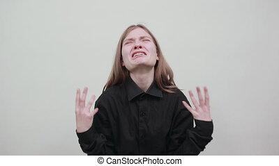 mains, crying., femme, mode, jeune, chemise, malheureux, caucasien, écarts, noir