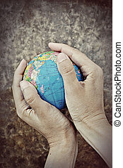 mains, la terre