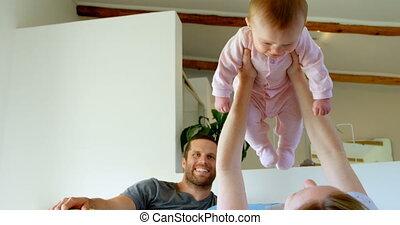 maison, chambre à coucher, avoir, parents, bébé, caucasien, 4k, amusement, heureux