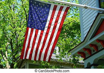 maison, drapeau américain, dehors
