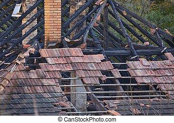 maison, effondré, toit
