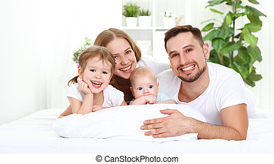 maison, famille, lit, heureux