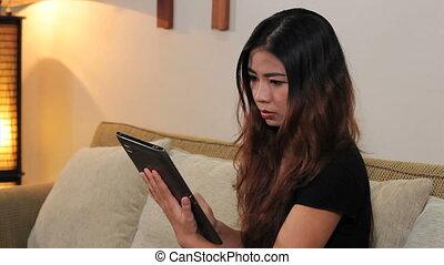 maison, femme, tablette, utilisation