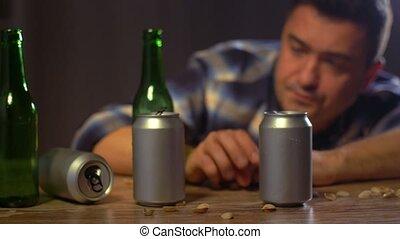maison, mâle, alcoolique, ivre, bière, boire