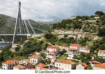 maisons, côtier, gruz, pont