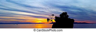 makarska, mer, brela, île, sur, -, kamen, minuscule, célèbre, dramatique, coucher soleil, riviera, brela, croatie, adriatique