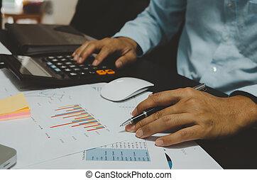 management., calculatrice, finance, graphiques, statistiques, growth.business, stylo, prise, rapport, ventes, hommes, business, profit, document, voir