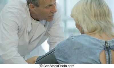 manche, mesures, pression, docteur, patient, tonometer, met