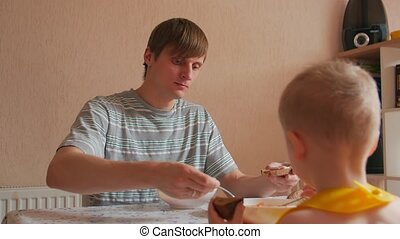 manger, homme, garçon, dîner