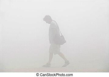 marche, brouillard, homme