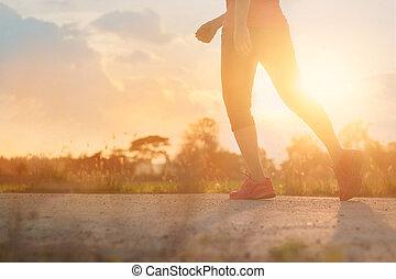 marche, concept, style de vie, sain, athlète, fond, femme, coucher soleil, exercice, route rurale