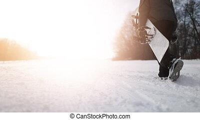 marche, coup, snowboarder, dos, snowboard, tenue