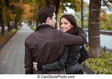 marche couples, dehors