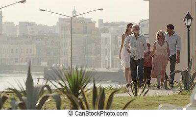 marche, famille, délassant, heureux