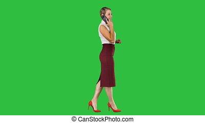 marche, femme affaires, chroma, écran, appeler, key., confection, vert