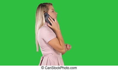 marche, femme, téléphone, chroma, écran, conversation, vert, key., agréable