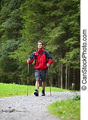 marche, jeune, nordique, actif, homme, beau