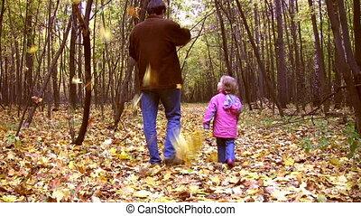 marche, parc, père, peu, automne, girl