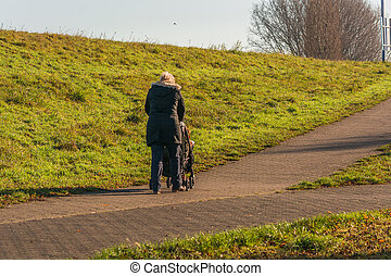 marche, poussette, quoique, grand-maman