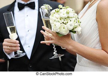 mariée, palefrenier, champagne, tenir verres